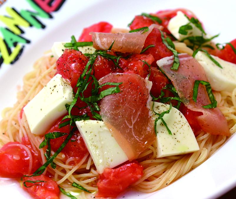 完熟トマトと生ハム&モッツアレラの冷製カッペリーニ 1,309円