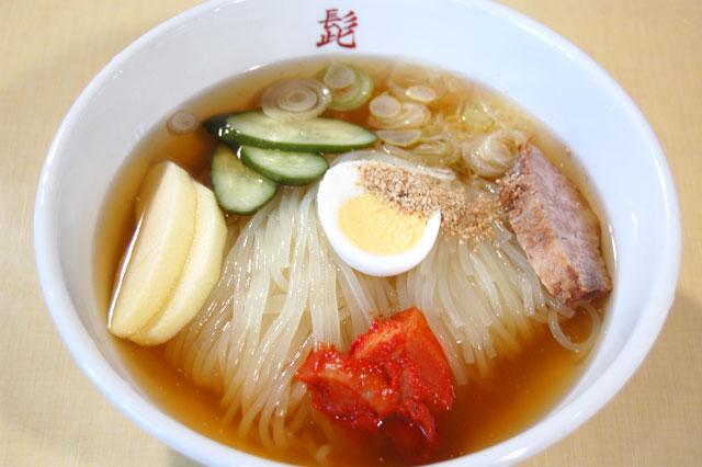 店内冷麺 (720円+税)