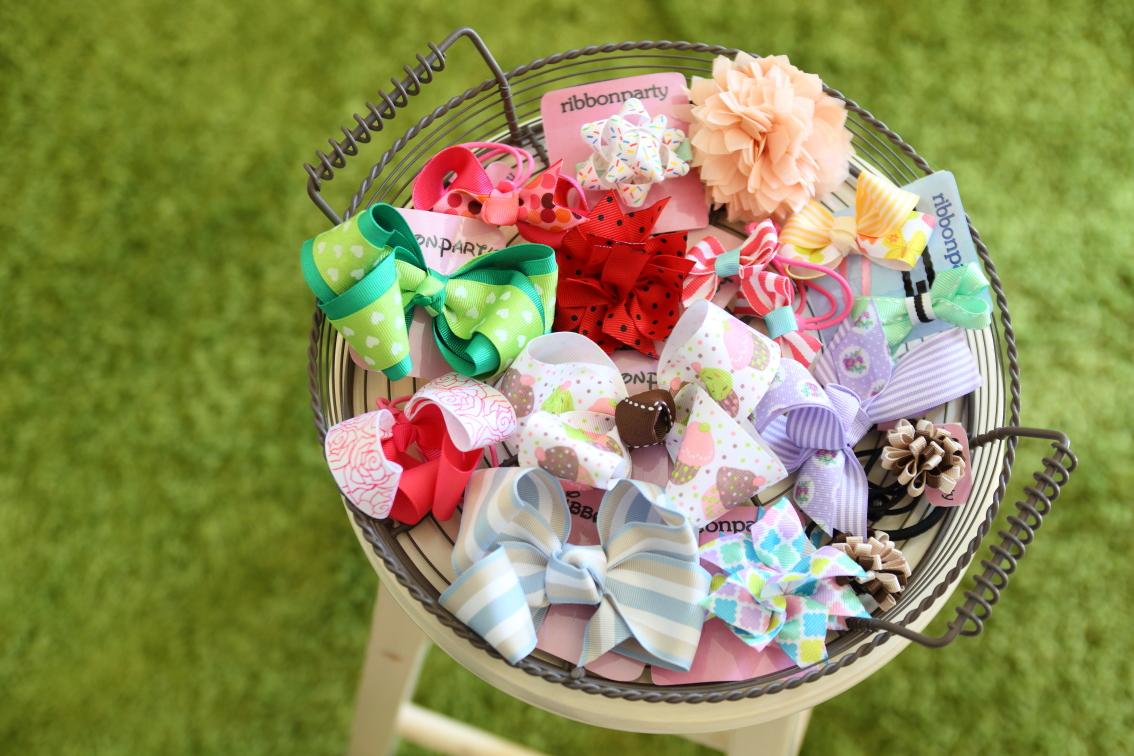 当店オリジナルのベビーブーケはお洋服がお花に!人気のハンドメイド雑貨も豊富です
