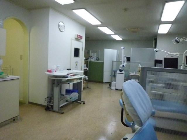 診療室内|レーザー機器をはじめ最先端の治療を行います